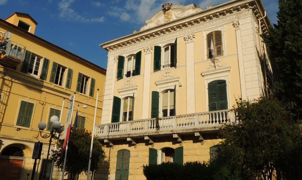 Diano Marina trasforma le mansarde di Palazzo Maglione in case per i bisognosi