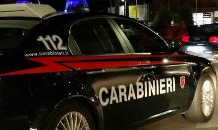 Arma di Taggia, spacciatore arrestato dai carabinieri mentre fuma uno spinello con gli acquirenti