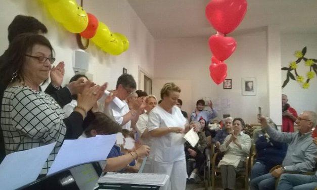 """Festa della mamma  nella casa di riposo """" Balduzzi"""" di Castelnuovo Scrivia"""