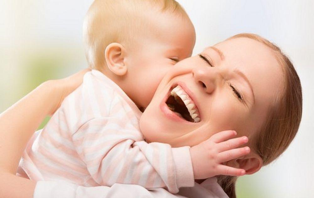 Domenica è la festa della Mamma: le islamiche sfornano figli a raffica, le italiane no. Per loro è sempre più difficile