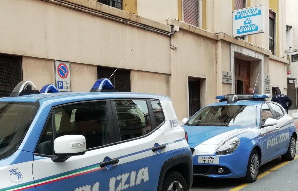A Ventimiglia la polizia arresta un matto scappato dall'ospedale di Mantova. Altre 4 persone denunciate