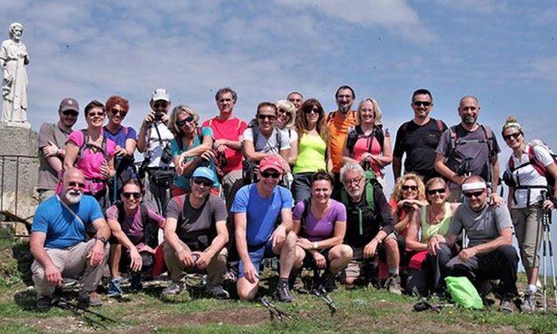 Trenta Viandanti in Raduno al Rifugio Ezio Orsi in Val Curone