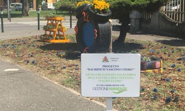 I bambini tortonesi fanno nascere i fiori dai rifiuti