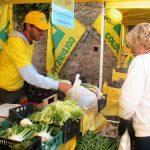 Domenica di festa dell'Agrimercato di Campagna Amica a Tortona in piazza Gavino Lugano