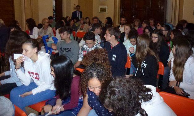 """A Viguzzolo presentata la ricerca """"Data Mining a scuola"""" in tanti hanno potuto ascoltare le istanze dei ragazzi"""
