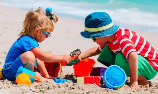 A Diano Marina i bambini possono giocare solo sulle spiagge private, non su quelle libere!