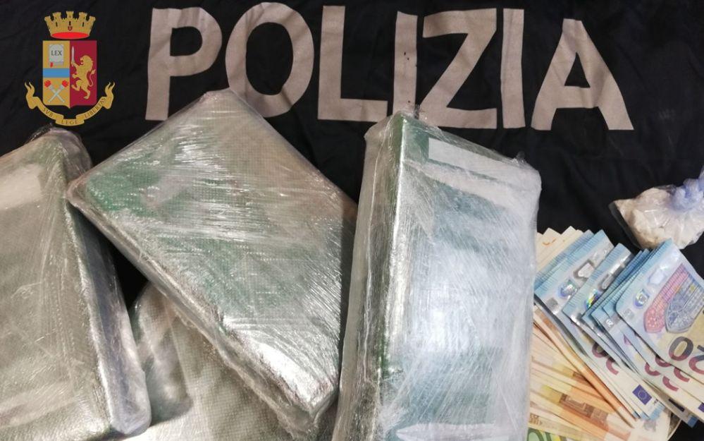 Arma di Taggia, aspetta il temporale per trasportare 4 kg di cocaina. Arrestato dalla Polizia