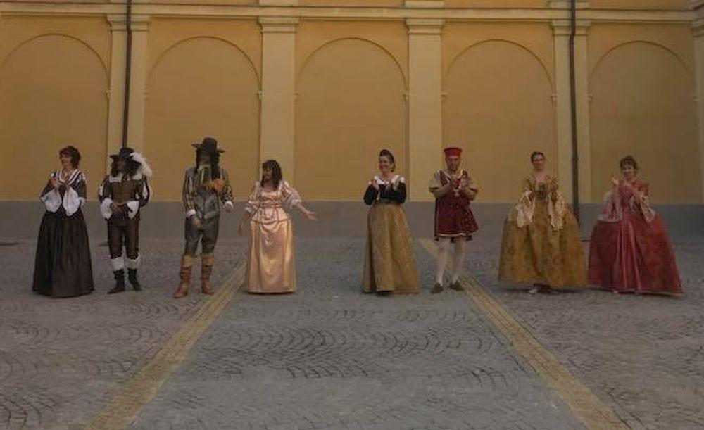 """…danzando in """"costume"""" un pomeriggio d'estate al Museo Diocesano di Tortona"""