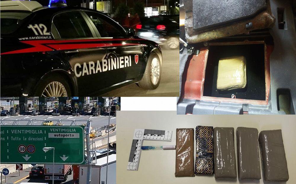 Sorpreso alla frontiera con quasi 800 grammi di cocaina: corriere della droga arrestato dai carabinieri di Ventimiglia