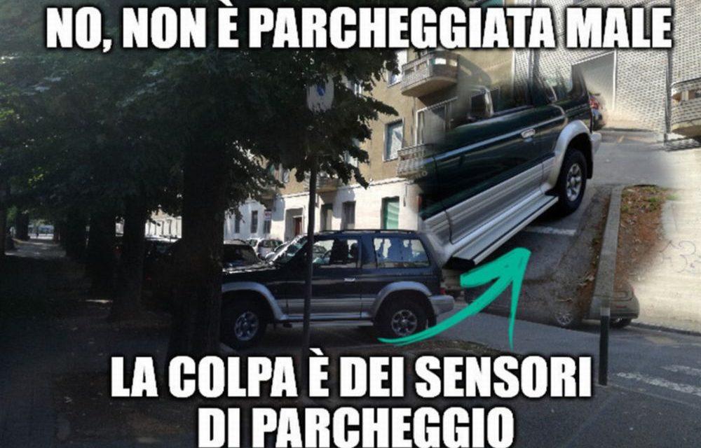 La cronaca degli orrori: un tortonese parcheggia al contrario per andare all'ACI. A prendere lezioni di guida?
