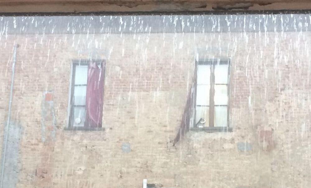 """Un centinaio di interventi ad Alessandria per """"aggiustare"""" i danni del temporale di lunedì pomeriggio"""