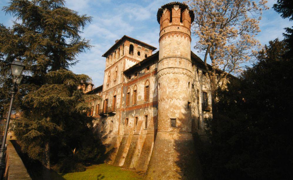 Linea Verde viaggi apre le escursioni domenicali con il Castello di Piovera