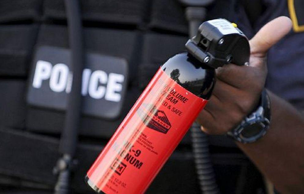 La Polizia di Ventimiglia pone fine ad una rissa con lo spray al peperoncino