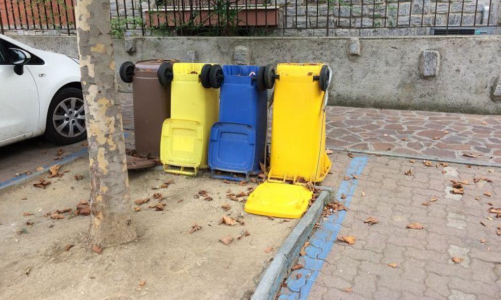 Ma come cavolo si fa la raccolta dei rifiuti a Diano Marina? E tutti sembrano fregarsene……