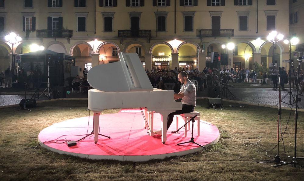 Migliaia di persone a Tortona per la fortunata edizione delle Invasioni Musicali. Le immagini