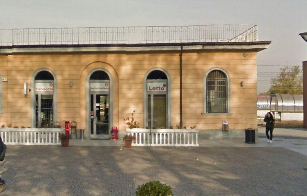 A Tortona un ubriaco di 33 anni molesta le cameriere del bar della stazione