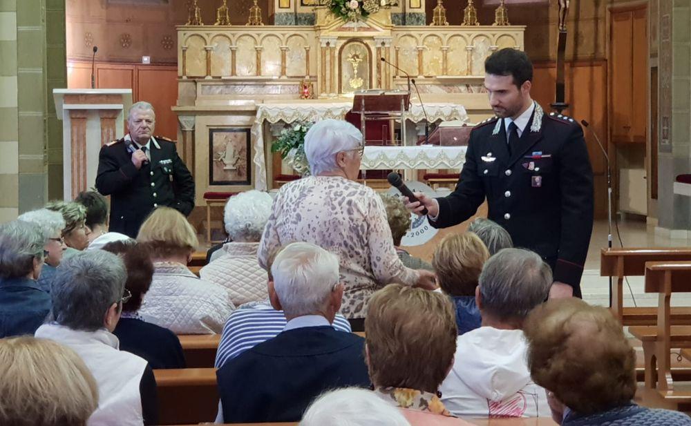Truffe agli anziani, continua l'attività dei carabinieri di Ventimiglia con la distribuzione delle brochure utili a prevenirle