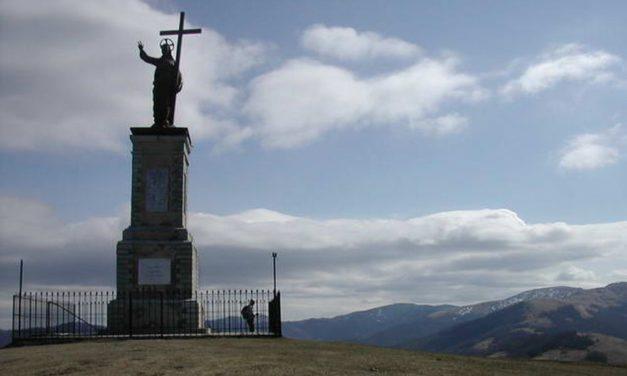 In Val Curone conclusi i lavori di restauro alla statua sul Monte Giarolo finanziati dalla Fondazione Cassa di Risparmio di Tortona