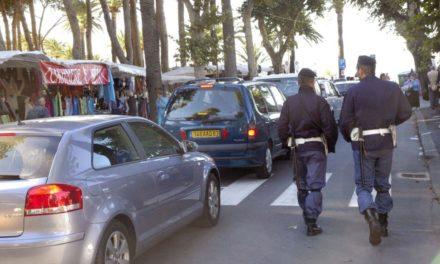 Ventimiglia. Polizia di Stato e Polizia Locale impegnate al contrasto dell'abusivismo commerciale in occasione del mercato settimanale