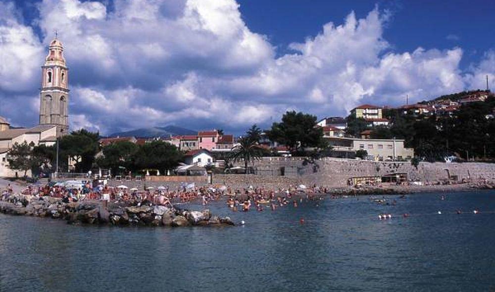 San Lorenzo al Mare, lunedì 18 marzo saranno rimossi tutti i cassonetti
