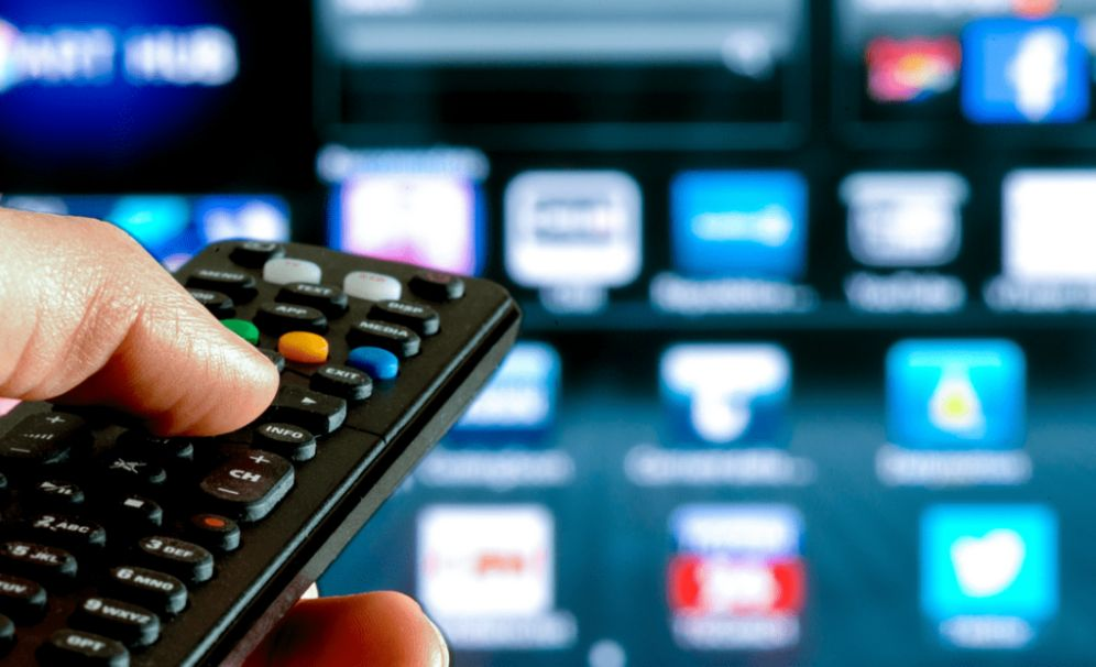 Chi ha più di 75 anni e un reddito basso può non pagare il canone TV