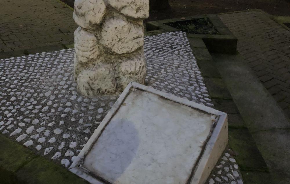 A Tortona vandali rubano la targa in memoria del Questore Palatucci, una vergogna!