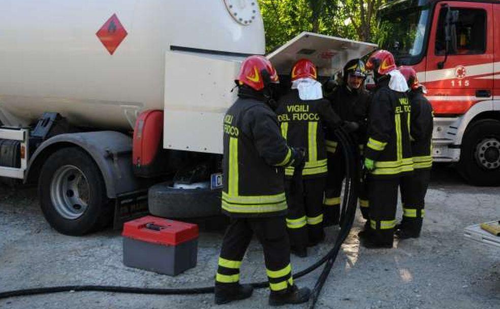 Grave incidente sul lavoro a Viguzzolo: esplode il serbatoio di un camion, due operai in fin di vita
