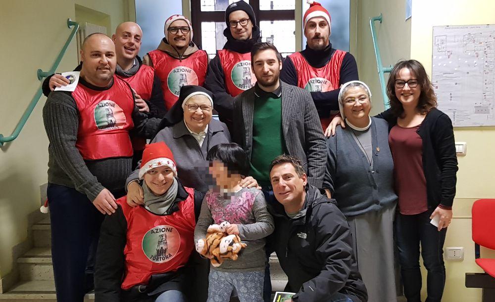 I giovani di Azione Tortona hanno portato giocattoli ai bambini del Cottolengo, Centro Paolo VI e ospedale infantile