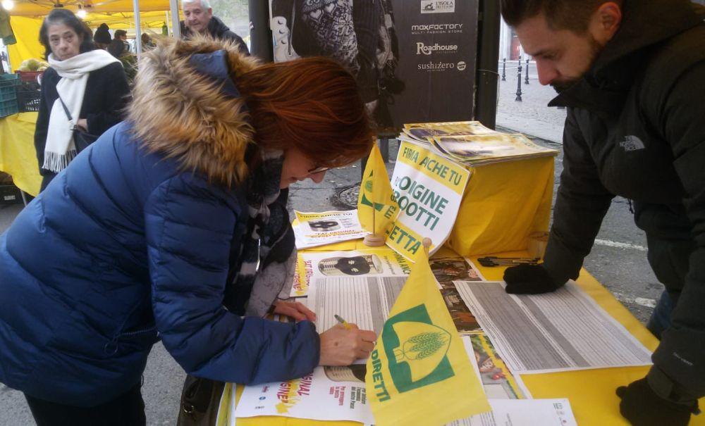 """La Coldiretti di Alessandria lancia la campagna """"Stop al cibo anonimo"""""""