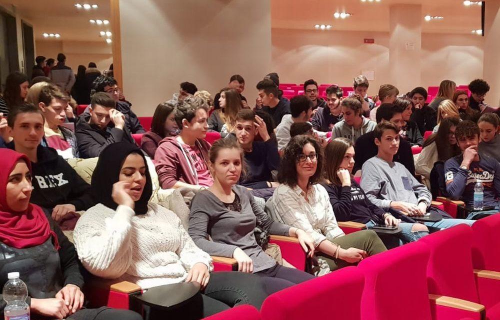 Gli studenti del Marconi cercano di diventare cittadini europei