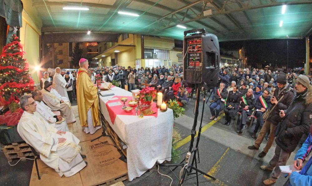La messa di Natale del Vescovo Vittorio Viola alla Pernigotti