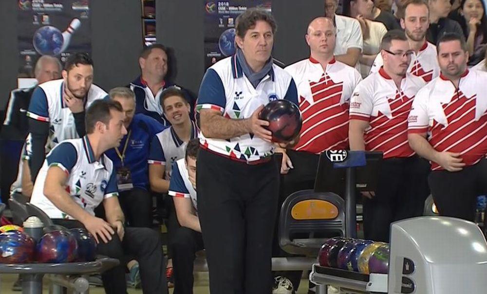 Il neo campione mondiale Marco Reviglio lunedì sera al Bowling di Diano