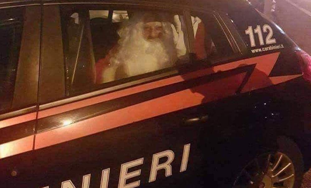 La Cronaca degli orrori: Santa Klaus arrestato dai Carabinieri, in pericolo i regali di Natale? Scatta la mobilitazione