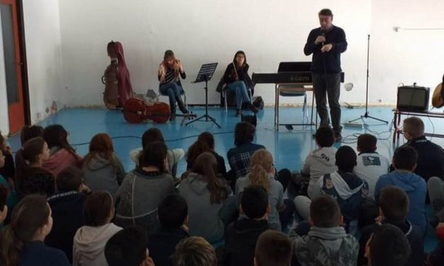 """L'Accademia """"Lorenzo Perosi"""" va nelle scuole tortonesi a presentare i corsi di musica"""