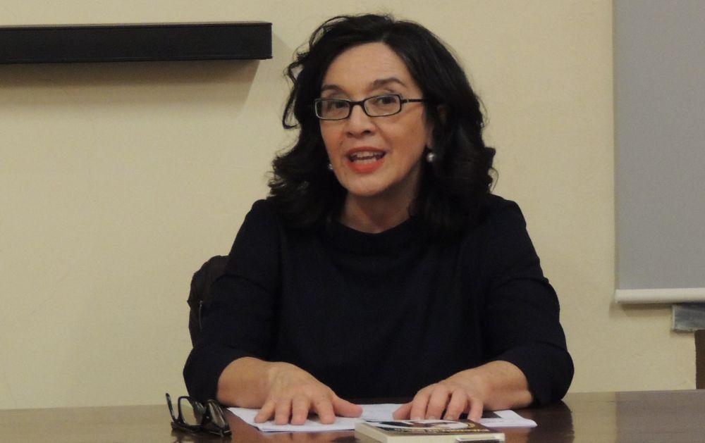 Patrizia Tuis ha presentato il suo libro alla Biblioteca di Tortona