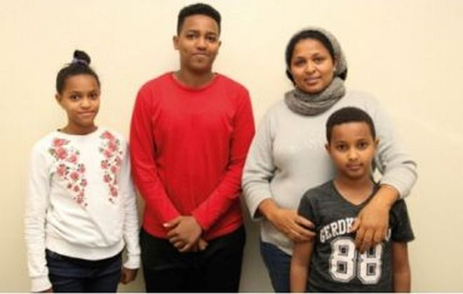 Giovane famiglia di profughi ospitata presso il Seminario di Tortona