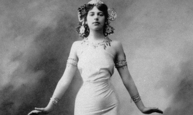 Domenica ad Alessandria un incontro sulla Storia della Moda e del Costume nella Donna dell'800