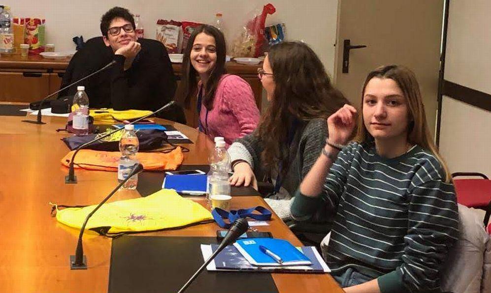Gli studenti del Liceo Peano di Tortona a Pavia per un incontro con gli esperti del Cern