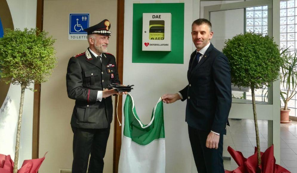 I carabinieri di Acqui terme si dotano di un defibrillatore