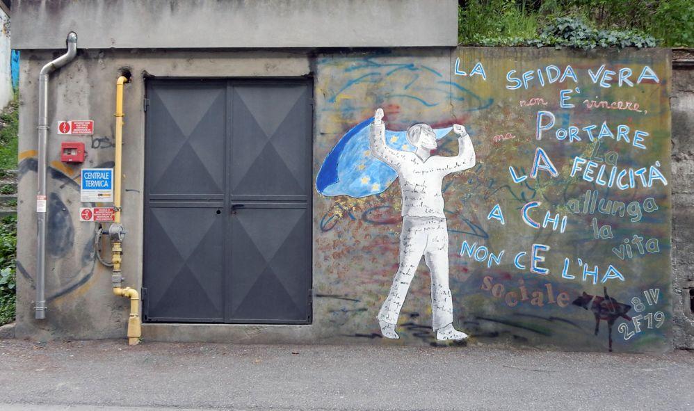 """L'artista Fabrizio Falchetto cerca di ravvivare un angolo di Tortona dimenticato: la zona del """"Sociale"""". Il ricordo"""