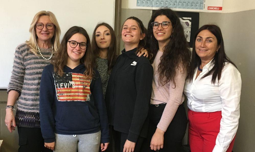 Giulia Carrozzi, Sava Denisa, Virginia Pellegrino e Simona Merlassino del Liceo Amaldi di Novi premiate ad Avellino