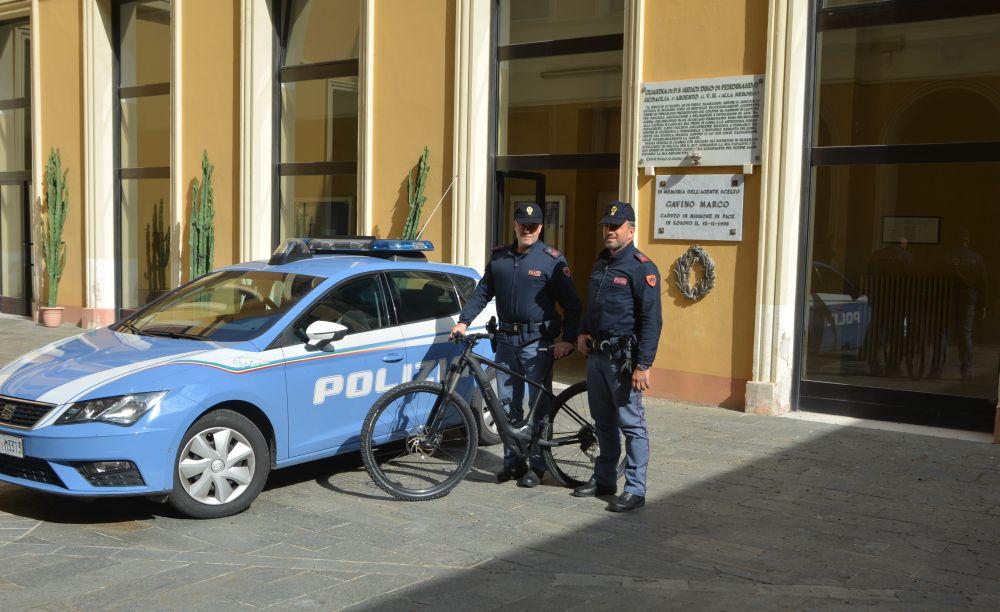 Imperia. La Polizia di Stato restituisce al proprietario la sua E-bike del valore di 3.000 euro