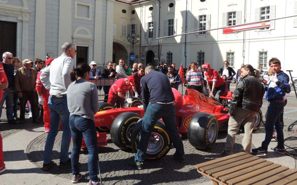 Il team Ferrari da Maranello a Tortona: le immagini di un successo