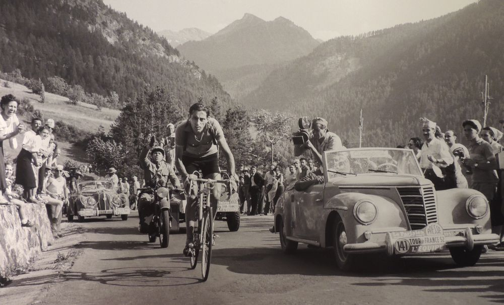 A Tortona inaugurata una bella mostra fotografica su Fausto Coppi con immagini inedite. Eccole!