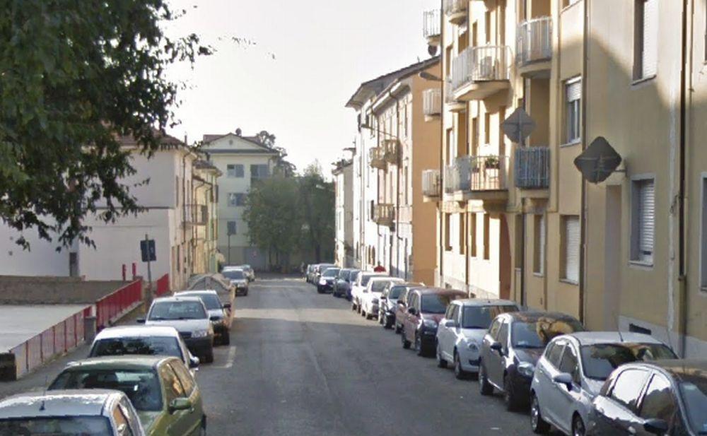 Incendio in un appartamento a Tortona in via Opizzoni, una donna in stato confusionale