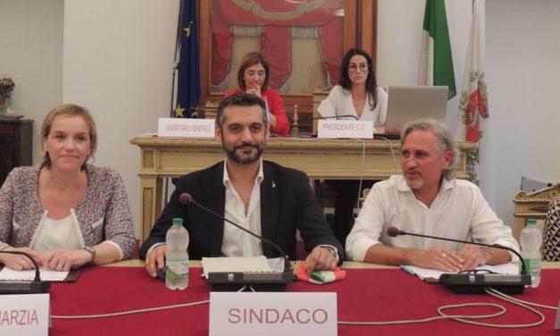 Insediato il nuovo Consiglio Comunale di Tortona: Chiodi giura fedeltà. Tutte le immagini della serata