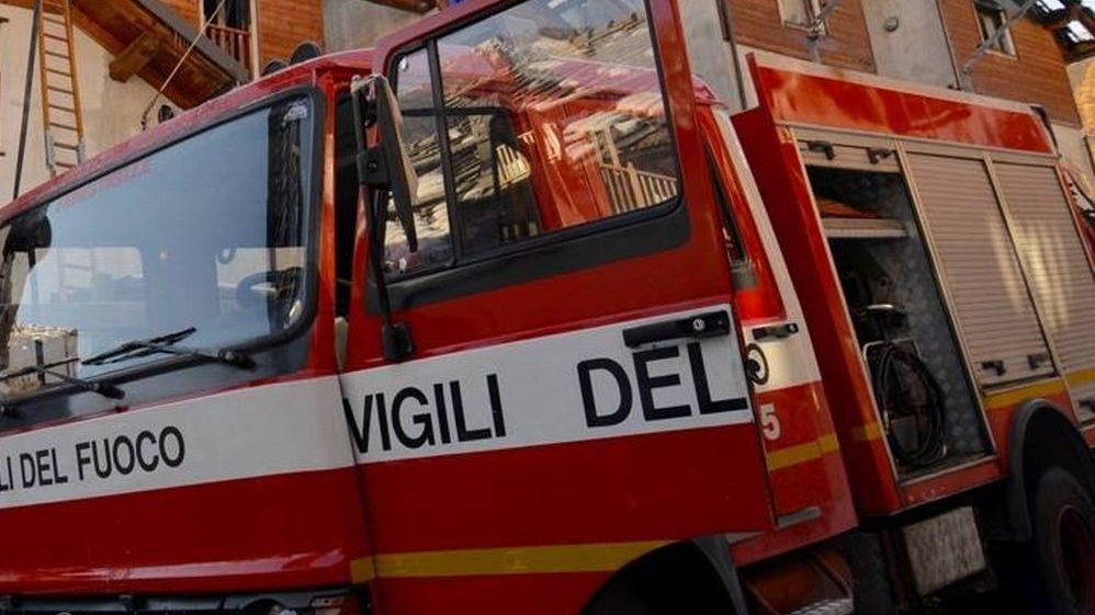 Tamponamento alla periferia di Tortona, intervengono i pompieri, ferita una giovane ventenne