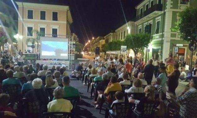 Covid: bene la copertura assicurativa per incentivare il turismo straniero estivo