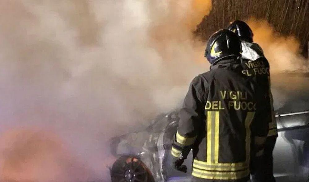 Due incendi spenti dai Vigili del Fuoco di Tortona, per fortuna senza troppi danni