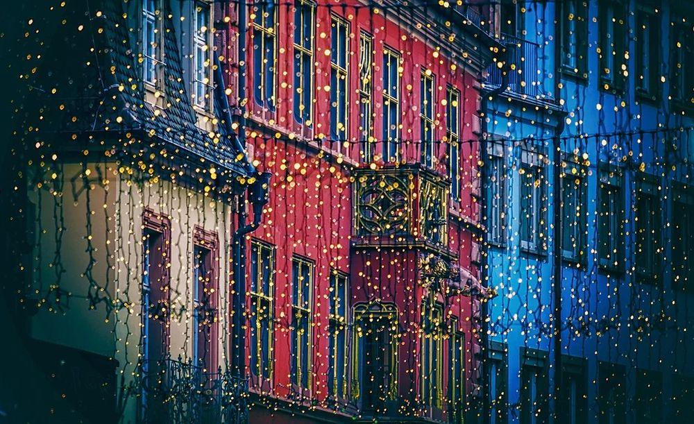 Sabato a Casale Monferrato si accendono già le luminarie natalizie